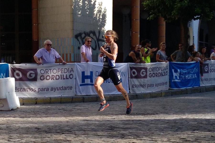 Ortopedia Gordillo fortalece su compromiso con el deporte colaborando con la exitosa Copa del Mundo de Triatlón ITU Huelva 2017