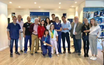 Ortopedia Gordillo celebra con la atleta del CODA Blanca Betanzos sus cinco medallas de oro del Campeonato del Mundo de Brisbane