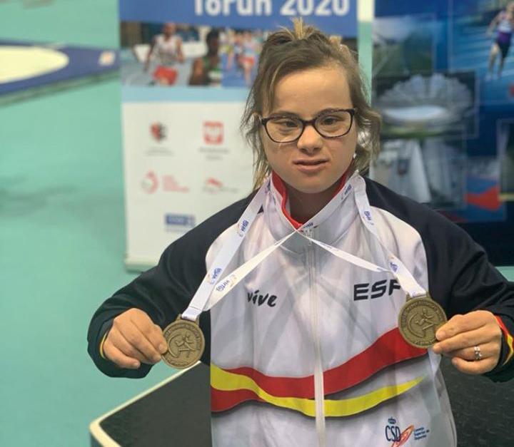 La atleta del club CODA Blanca Betanzos sigue haciendo historia con sus dos medallas de oro en el Mundial de Pista Cubierta de Torun (Polonia)